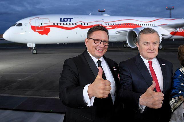 Trwała uroczysta gala z politykami, w tym czasie odwołano dwa loty