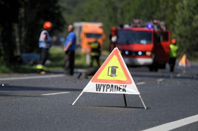 Piętrowy wypadek na A1. Kierowca wjechał w radiowóz. W tym miejscu doszło wcześniej do dwóch kolizji