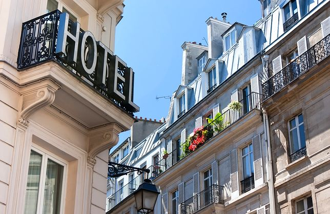 Jak spędzić noc w luksusowym hotelu za darmo? Oto kilka sposobów