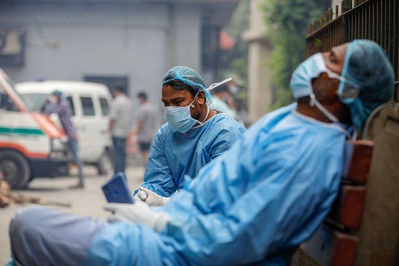 Ponad 314 tys. zachorowań na COVID-19 w ciągu doby. W jednym kraju