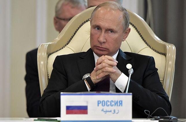 Władimir Putin na konferencji w Aktau w Kazachstanie