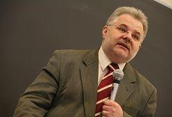 """Gwałt na mężczyźnie. Prof. Zbigniew Izdebski: """"Często sprawczynie sądzą, że to forma zabawy"""""""