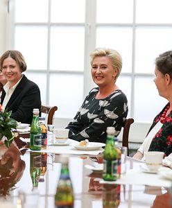 Agatę Kornhauser-Dudę odwiedziły w Pałacu Prezydenckim gospodynie wiejskie. Na pierwszą damę spadła lawina krytyki