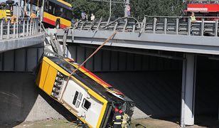 Wypadek autobusu na trasie S8. Sąd wypuści na wolność kierowcę