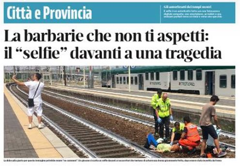 Włochy. Zrobił selfie na tle tragedii. Totalna znieczulica