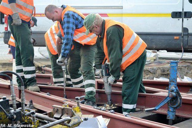 Od środy remont na skrzyżowaniu mostu Dworcowego z ul. Roosevelta - 10 linii tramwajowych zmieni trasy