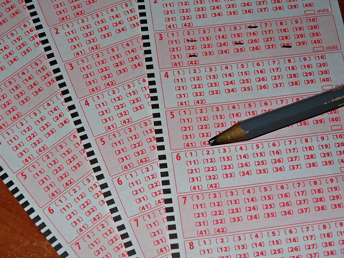 """Wyniki losowania Lotto. Znamy szczęśliwą """"szóstkę"""""""