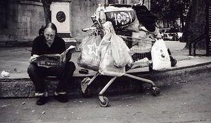 Rozdali bezdomnym aparaty fotograficzne...