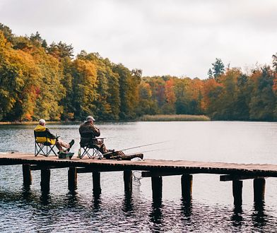 Rząd zirytował wędkarzy. Pytają: Jesteśmy sami nad wodą, komu - oprócz ryb - zagrażamy?