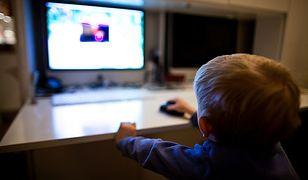 W polskim internecie firmy i serwisy oferujące treści pornograficzne nie stosują nawet najprostszych metod weryfikacji wieku osób wchodzących na ich strony