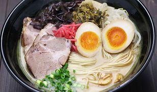 Ramen na rozgrzanie. Zrób perfekcyjną azjatycką zupę w swojej kuchni