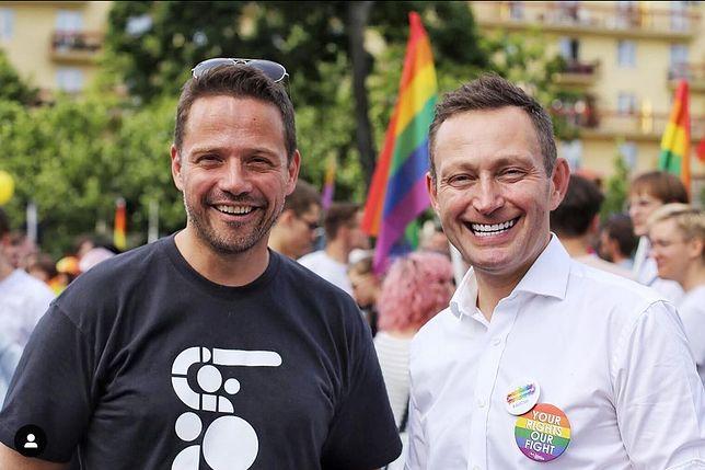 Rafał Trzaskowski i Paweł Rabiej na Paradzie Równości