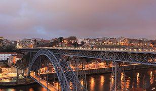 Lotnisko w Porto znajduje się 16 km od centrum miasta