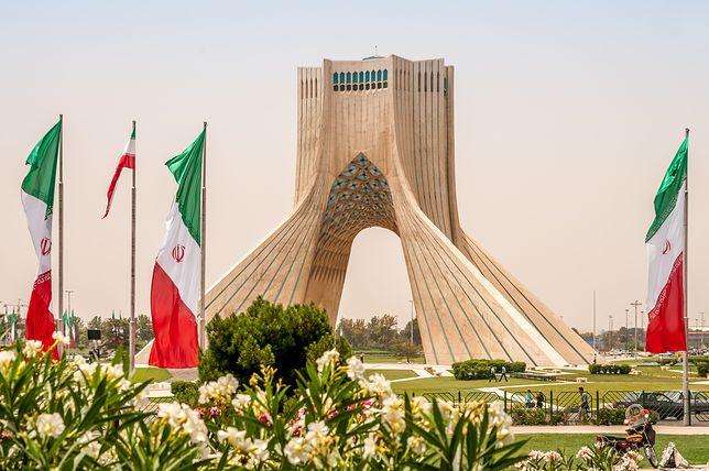 pomnik Azadi w Teheranie.