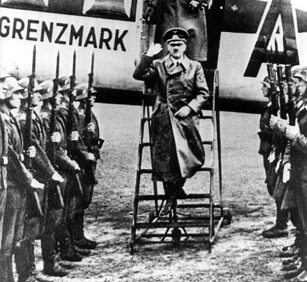 Nieudany zamach na Adolfa Hitlera w Warszawie