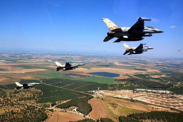 Izrael zbombardował cele w Libanie w odwecie za atak rakietowy