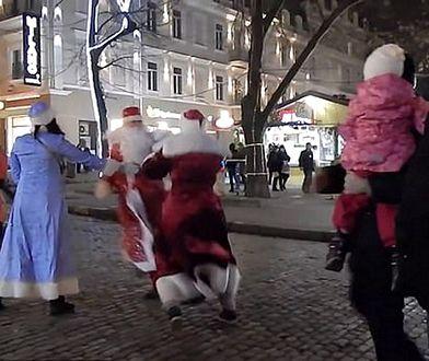 Bójka mężczyzn miała miejsce w centrum Odessy, które jest jednym z najważniejszych miast na Ukrainie