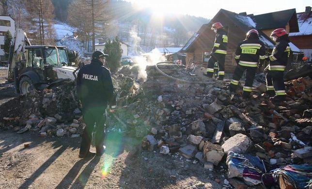 Śląskie. Prokuratura regionalna przedłużyła śledztwo w sprawie wybuchu gazu i katastrofy domu w Szczyrku, w której zginęło 8 osób.