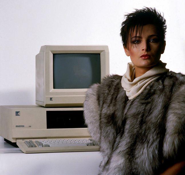 Oddające klimat czasów zdjęcie prototypu komputera Mazovia 1016 (fot. Antoni Zdebiak)