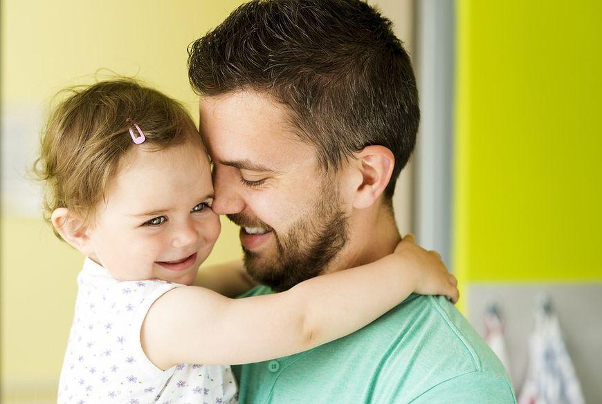 Opieka taty nad dzieckiem