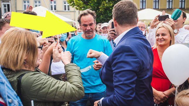 W Kościerzynie Rafał Trzaskowski spotkał dobrego kolegę. Kim jest?