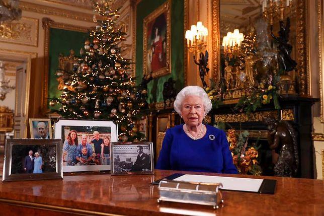 Królowa udała się na świąteczne zakupy do Tesco