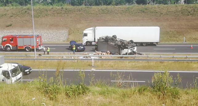 A2 i A4. Wypadki na autostradach, duże utrudnienia dla kierowców