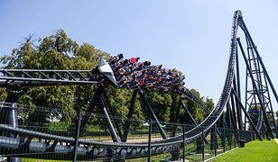 Turyści uwielbiają przejażdżki rollercoasterami
