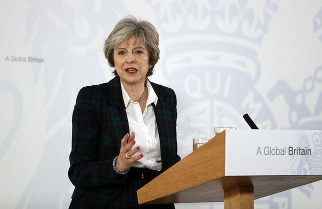 Premier May: rząd pracuje nad ustaleniem szczegółów ataku