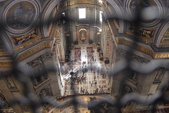 To ona rządzi w Watykanie. Kim jest Barbara Jatta?