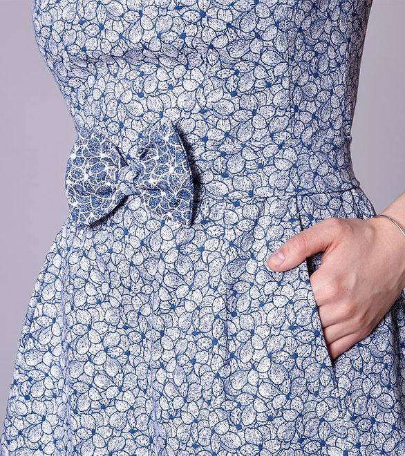 Stylowa sukienka z kokardą od Click Fashion