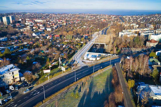 Niespełna 500 m odcinek nowej drogi znacznie ułatwił życie kierowcom w Bielsku-Białej.