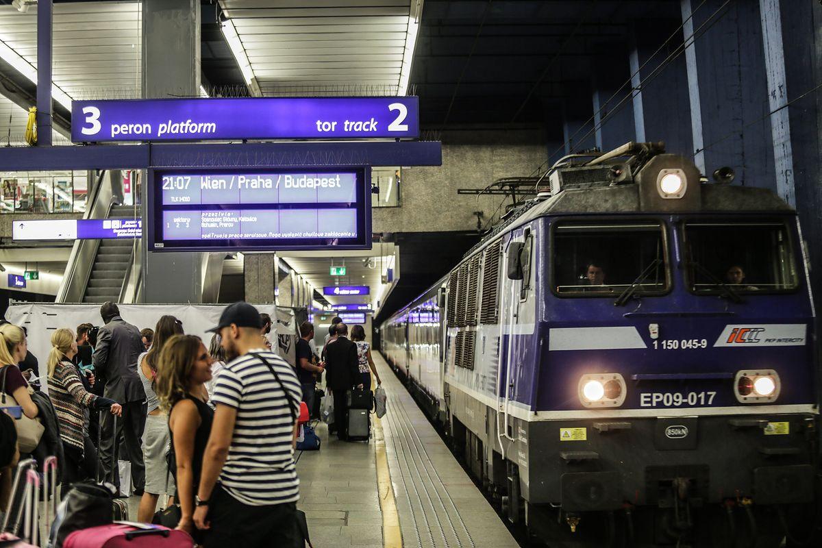 Nowy rozkład pociągów. Letnie zmiany w połączeniach PKP Intercity