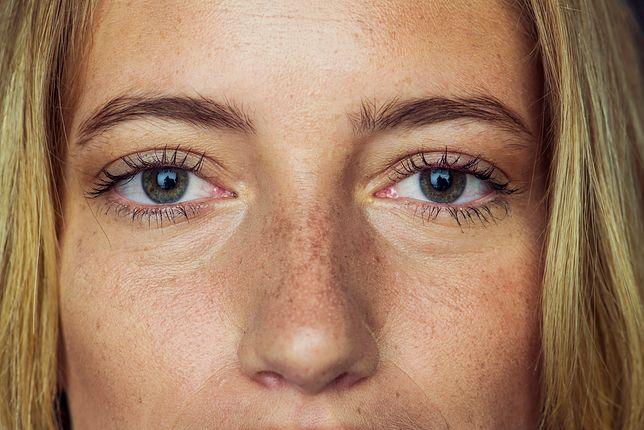 Mężczyźni o idealnej, kobiecej twarzy. Wiemy, co jest dla nich ważne w kwestii makijażu