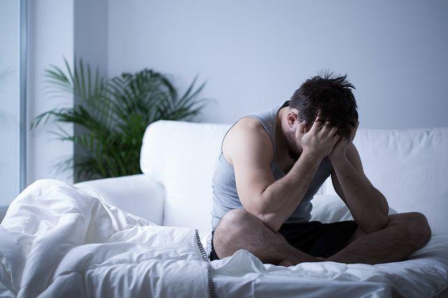 Faceci płaczą po seksie. Ta dysfunkcja to nie tylko domena kobiet