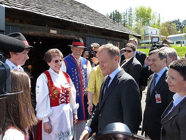 Premier Tusk z Polakami z Kanady