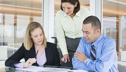 Firma rozliczy pracowników z podatku PIT