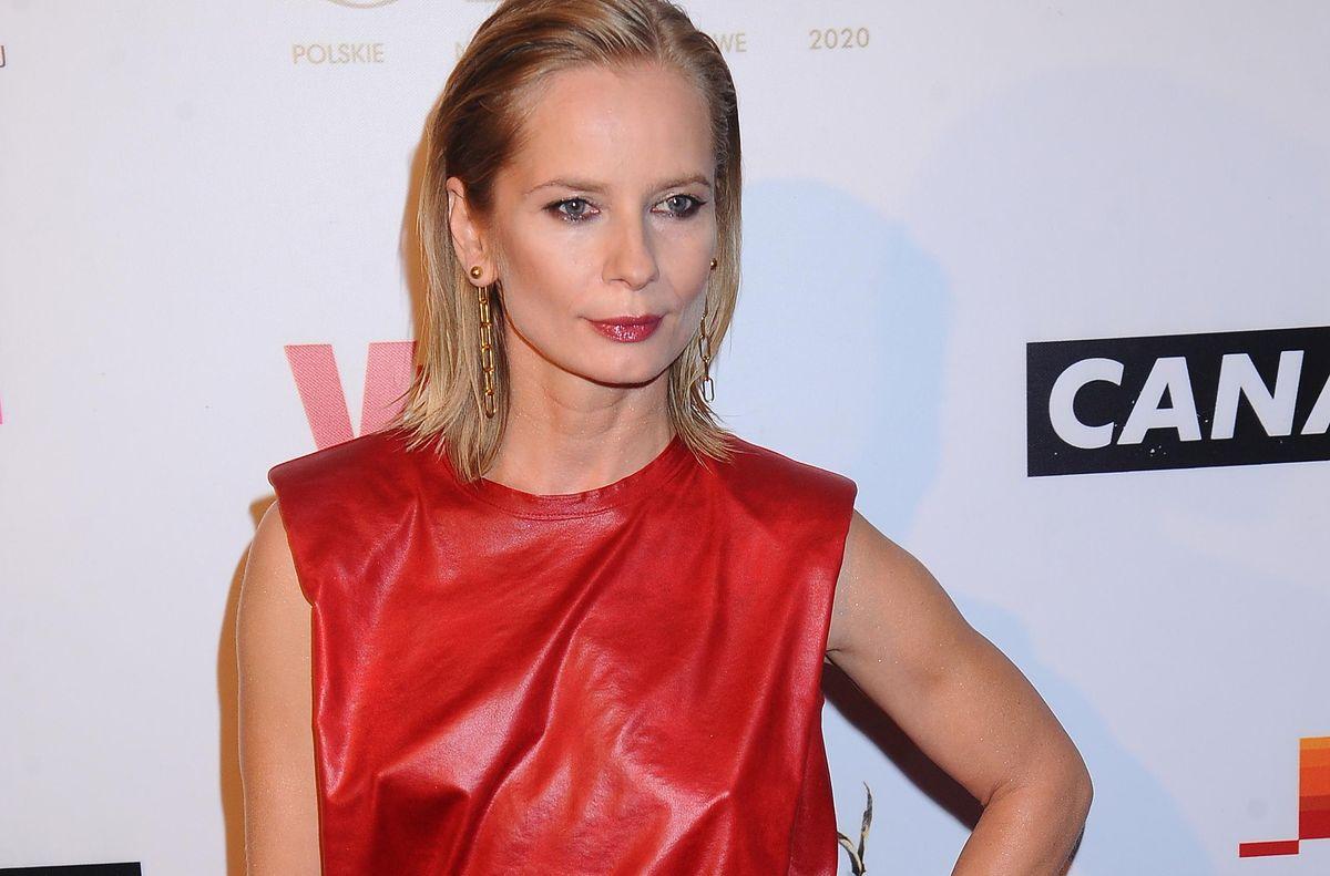 Orły 2020. Magdalena Cielecka w krwistoczerwonej sukience