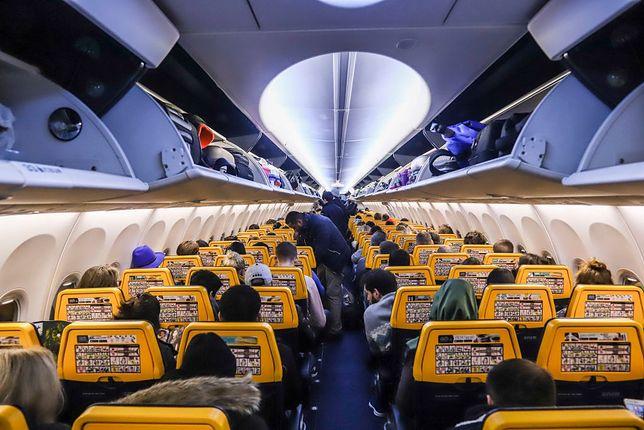Wnętrze samolotu Ryanair (Getty Images, SOPA Images, Contributor)