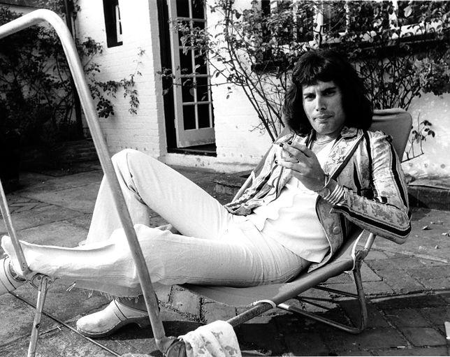 """Freddie Mercury w 1975 r. """"Tak naprawdę podniecał go każdy, kto się ruszał i nie uciekał na drzewo, bez względu na płeć i wiek"""""""