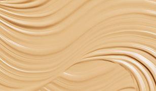Nowe fluidy długotrwale matujące dla cery z niedoskonałościami