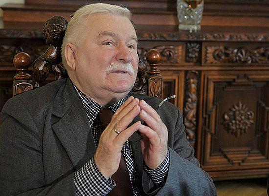 Lech Wałęsa odznaczony medalem