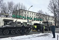 Katowice. Czołg T-55 znów w kopalni Wujek. Ma przypominać o tragicznej historii