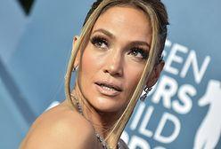 Odważna Jennifer Lopez. Gwiazda zszokowała swoim strojem na wyborach prezydenckich