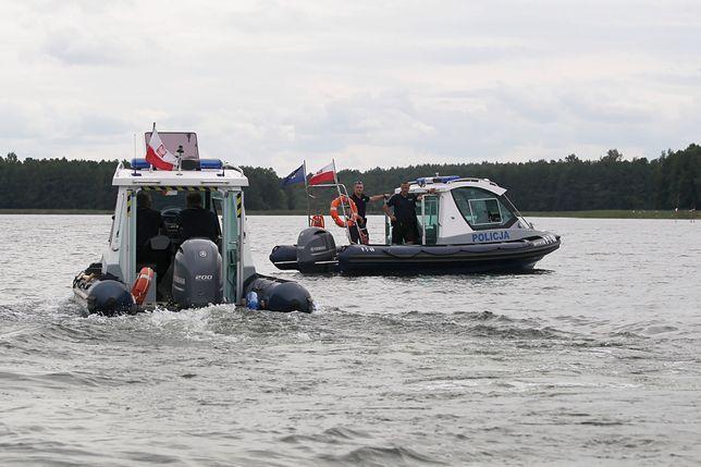Piotr Woźniak-Starak poszukiwany. Akcja na jeziorze Kisajno zawieszona