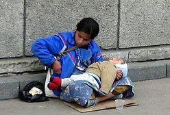 """""""Dzieci żebraczek odurzane są heroiną lub alkoholem"""""""