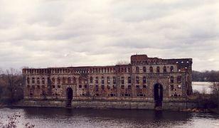 """Zamek z """"Pana Tadeusza"""" miał być pięciogwiazdkowym hotelem. Jest prokuratorski zarzut"""