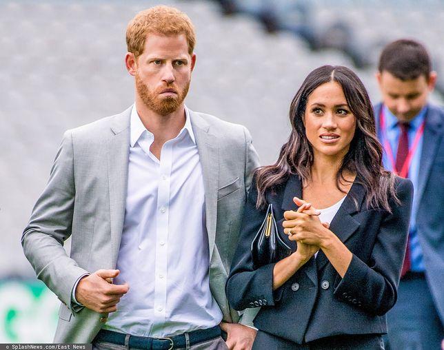 Harry i Meghan wściekli na królową. Pozbyła się ich zdjęcia