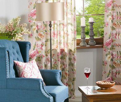 Zwiewnie, pastelowo i w kwiatach. Tak ubieramy okna na wiosnę