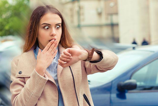Zbyt częste spóźnienia do pracy mogą mieć poważne konsekwencje